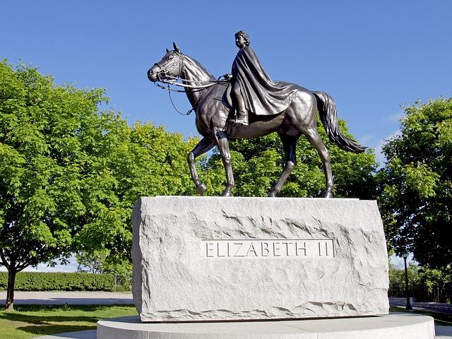 socha Elizabeth II..jpg
