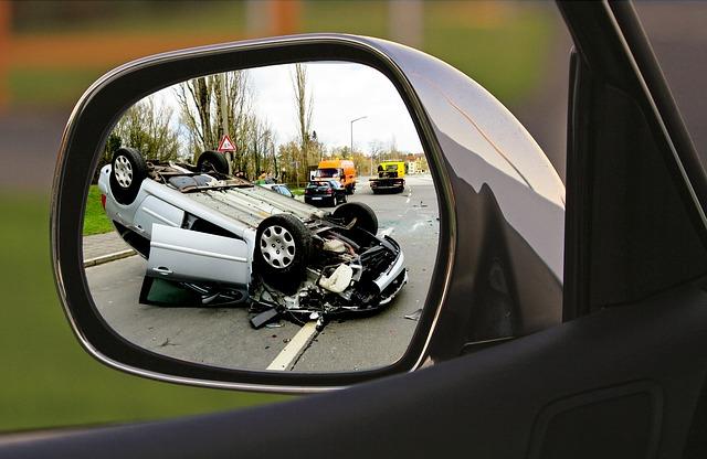 zrcátko dopravní nehoda